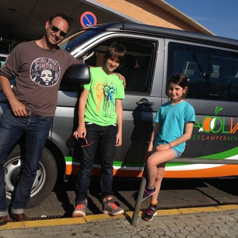 45.-Loic, Diego y Dali. Bagnolet. France. Febrero 2015