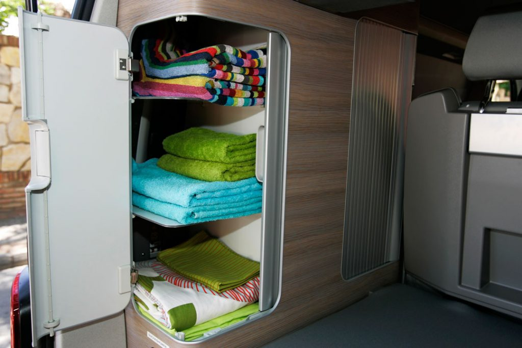 Linens and towels included in the camper-van rent